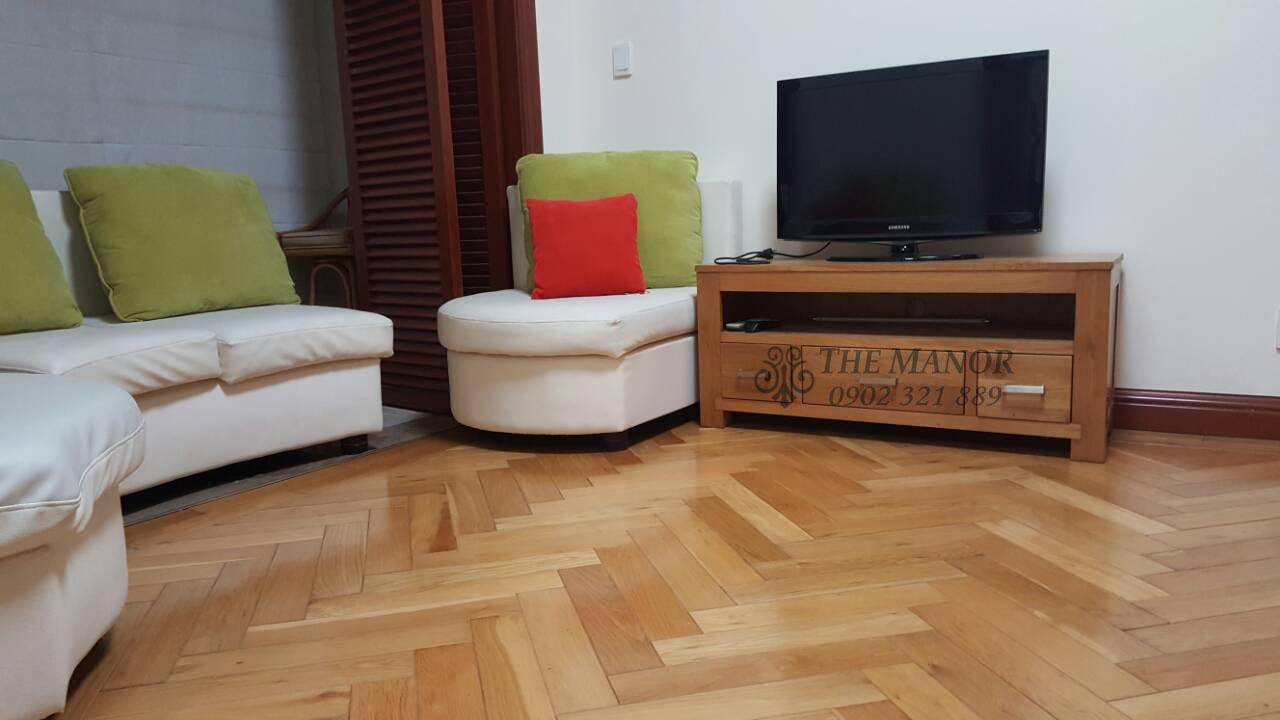 bán gấp hoặc cho thuê căn hộ The Manor 136m2 - tivi tại phòng khách
