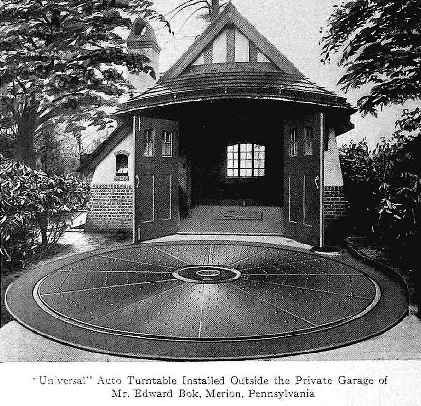 "a photograph of ""The Universal"" a 1915 domestic garage turntable"