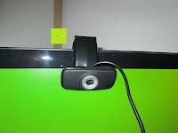 am Monitor: AUSDOM® AW310 720P USB 2,0 HD Webcam Kamera mit eingebautem Mikrofon für PC, Laptop Schwarz