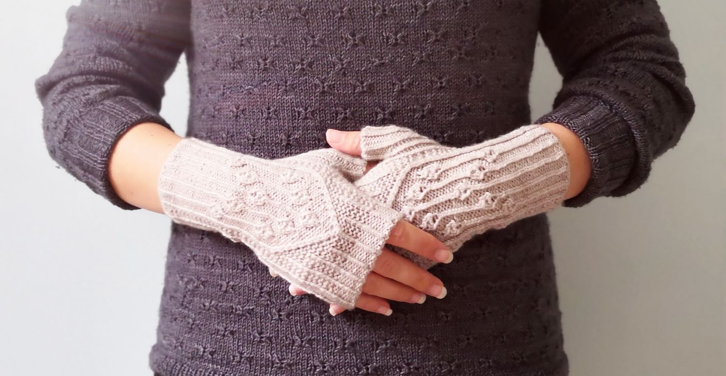 Virva Fingerless Mitts from Laine Magazine
