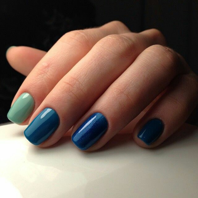 Royal blue nail arts