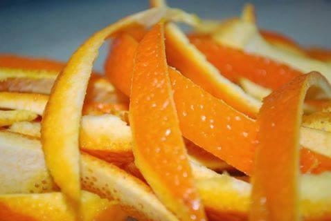 فوائد قشور البرتقال للبشرة .