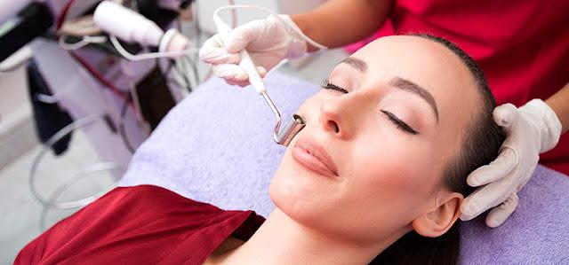 Merawat Kulit Wajah di Klinik Kecantikan Terbaik