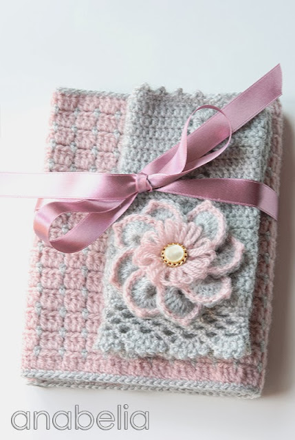 Pink winter crochet set by Anabelia