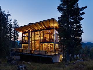 แบบบ้านครึ่งปูนครึ่งไม้ ด้านหน้าผนังกระจก
