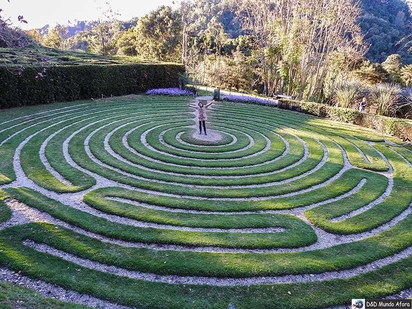 Labirinto de grama no Parque Amantikir: os jardins que falam em Campos do Jordão