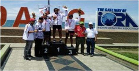 Walikota Sererahkan Bonus Spontan Kepada Para Atlet Balap Sepeda