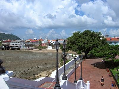 Plaza de Francia, Casco viejo, Panamá, round the world, La vuelta al mundo de Asun y Ricardo, mundoporlibre.com