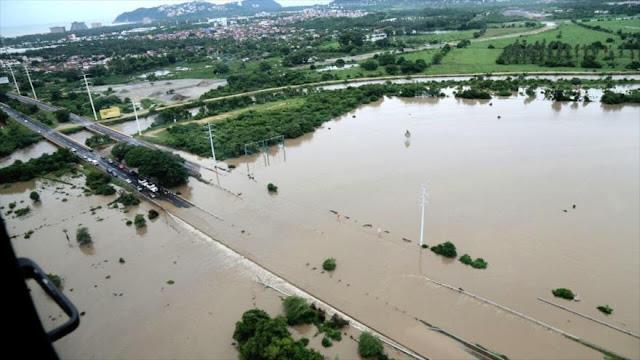 Inundaciones dejan a 200 personas atrapadas en México