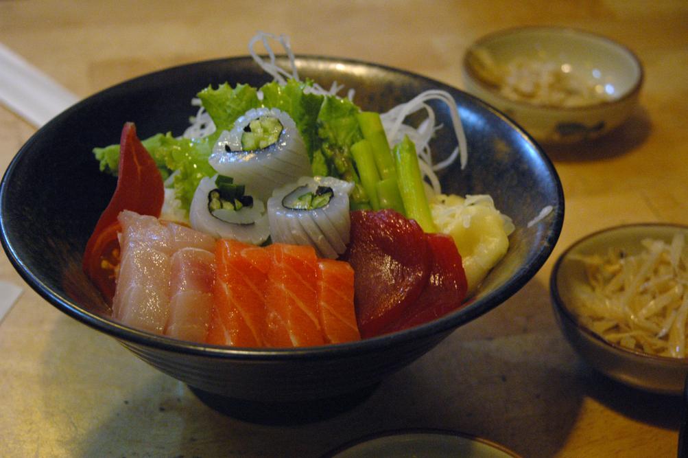 光光良部落格: ~就醬丼~大碗日式生魚片丼