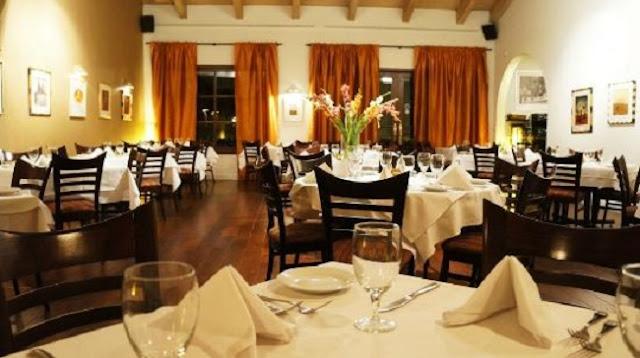 Noite nos restaurantes em Palm Springs