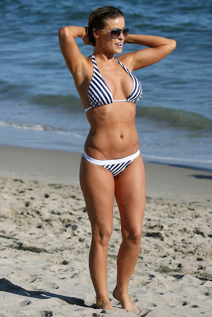 Carmen Electra in beach bikini hot photos