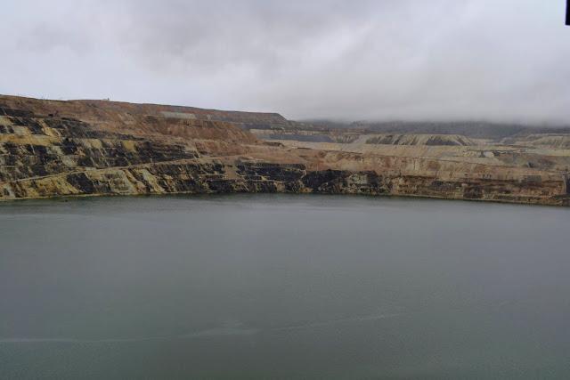 Берклі-Піт, Б'ютт, Монтана - закинутий кар'єр з токсичними відходами (Berkeley Pit. Butte, MT)