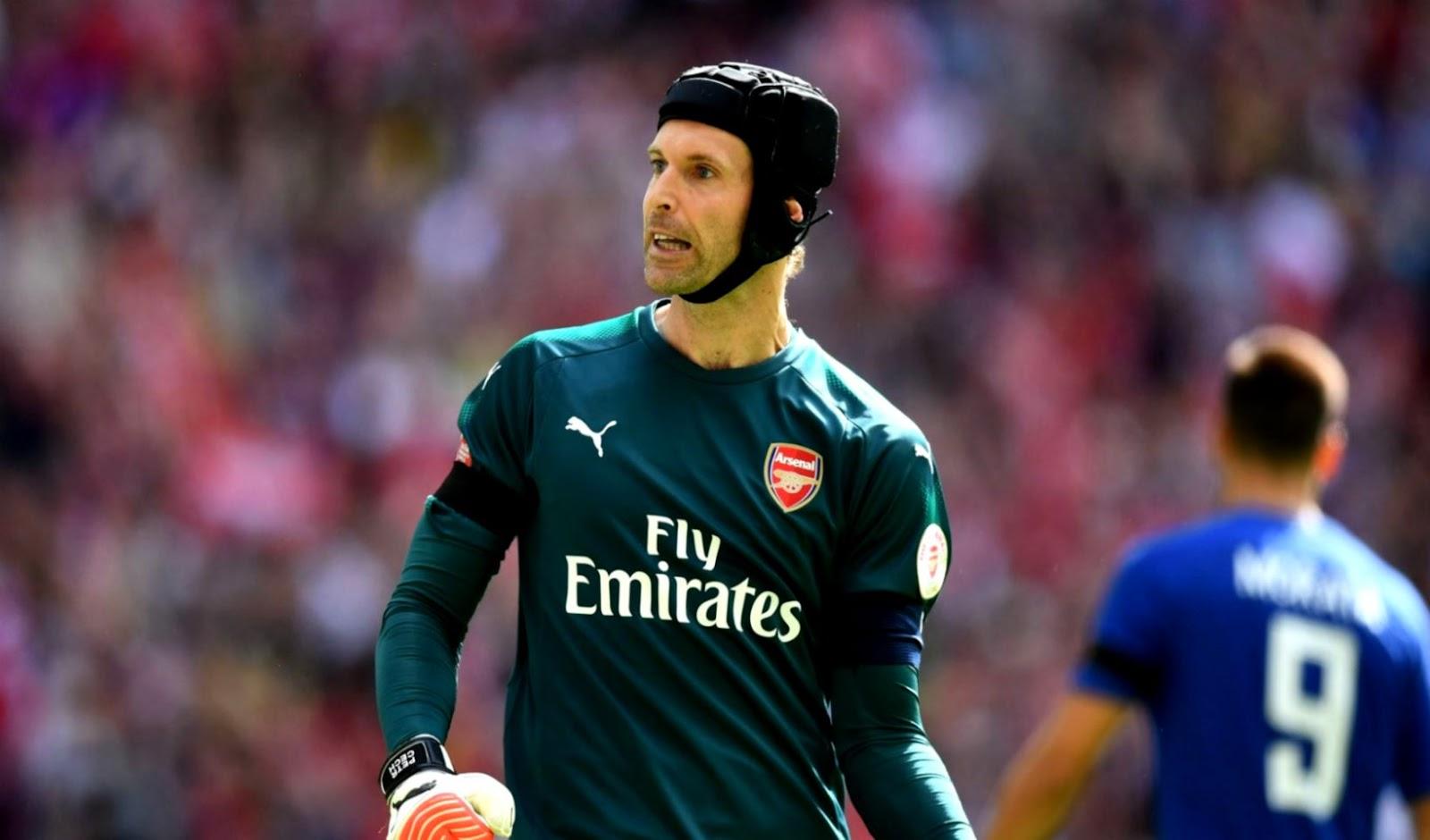 Petr Cech Mau Pensiun dengan Menangi Trofi Liga Europa