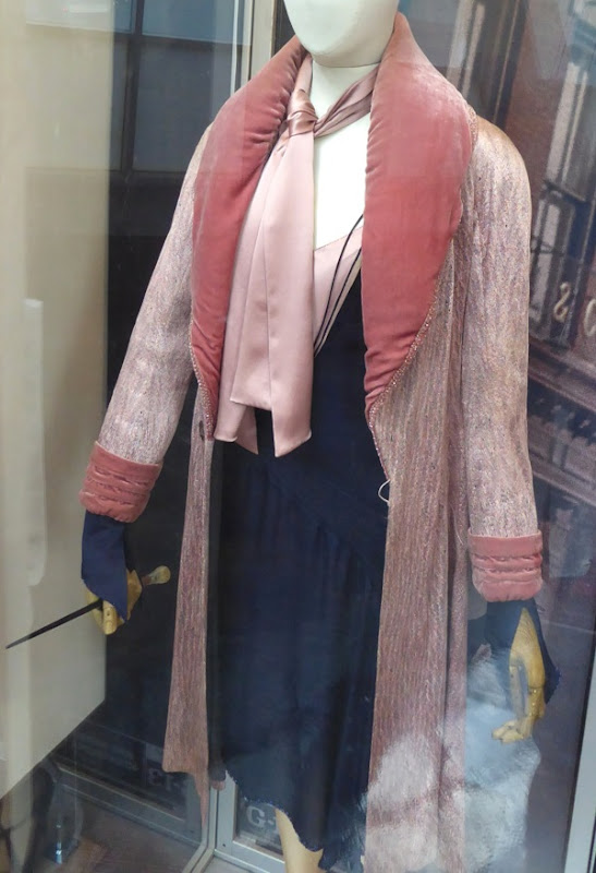 Fantastic Beasts Queenie Goldstein movie costume