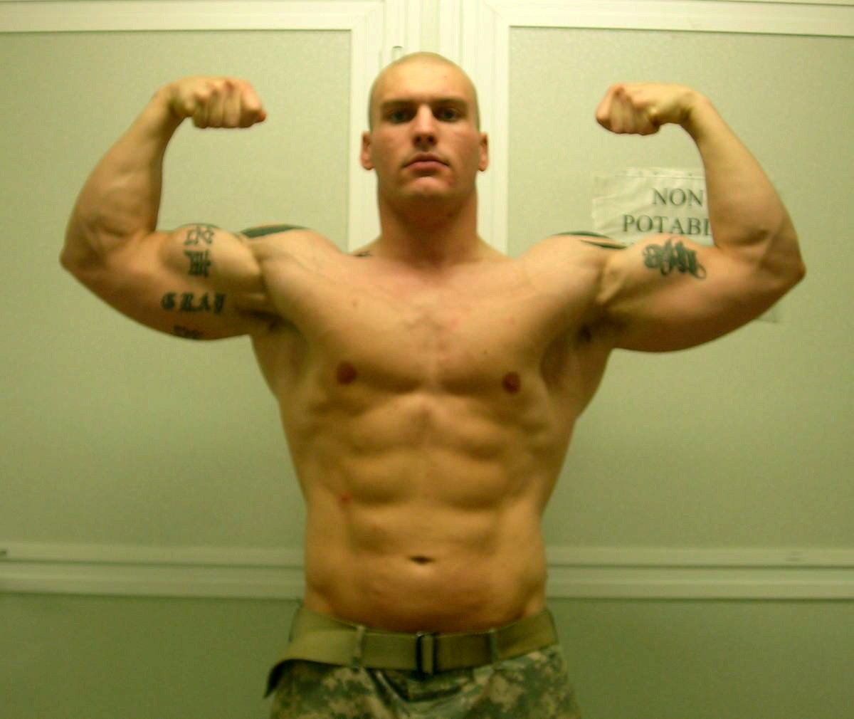 sexy-shirtless-soldier-killer-biceps-muscular-body