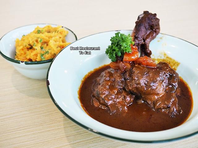 Melting Morrocan Lamb Shanks Eatropica Cafe Menara 1 Sentrum Nu Sentral Brickfield Kuala LumpurWestern and Malaysian Food at Eatropica Cafe Menara 1 Sentrum Nu Sentral Brickfield Kuala Lumpur