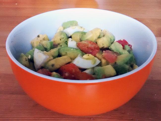 weniger ist mehr avocado salat lc gut zum mitnehmen ins b ro. Black Bedroom Furniture Sets. Home Design Ideas