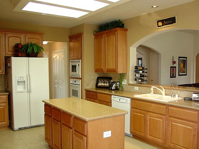 KITCHEN DESIGNS with Oak Cabinets and White Appliances Best