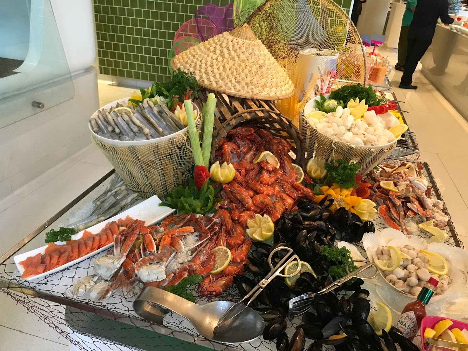 With a selection of fresh cold Tiger Prawns, Green Mussel, Half-shell  Scallop, Fresh Squid, Flower Crab and Bamboo Clam, seafood lovers will be  spoilt for ...