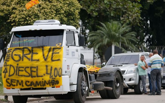 Greve dos caminhoneiros: Causas e soluções