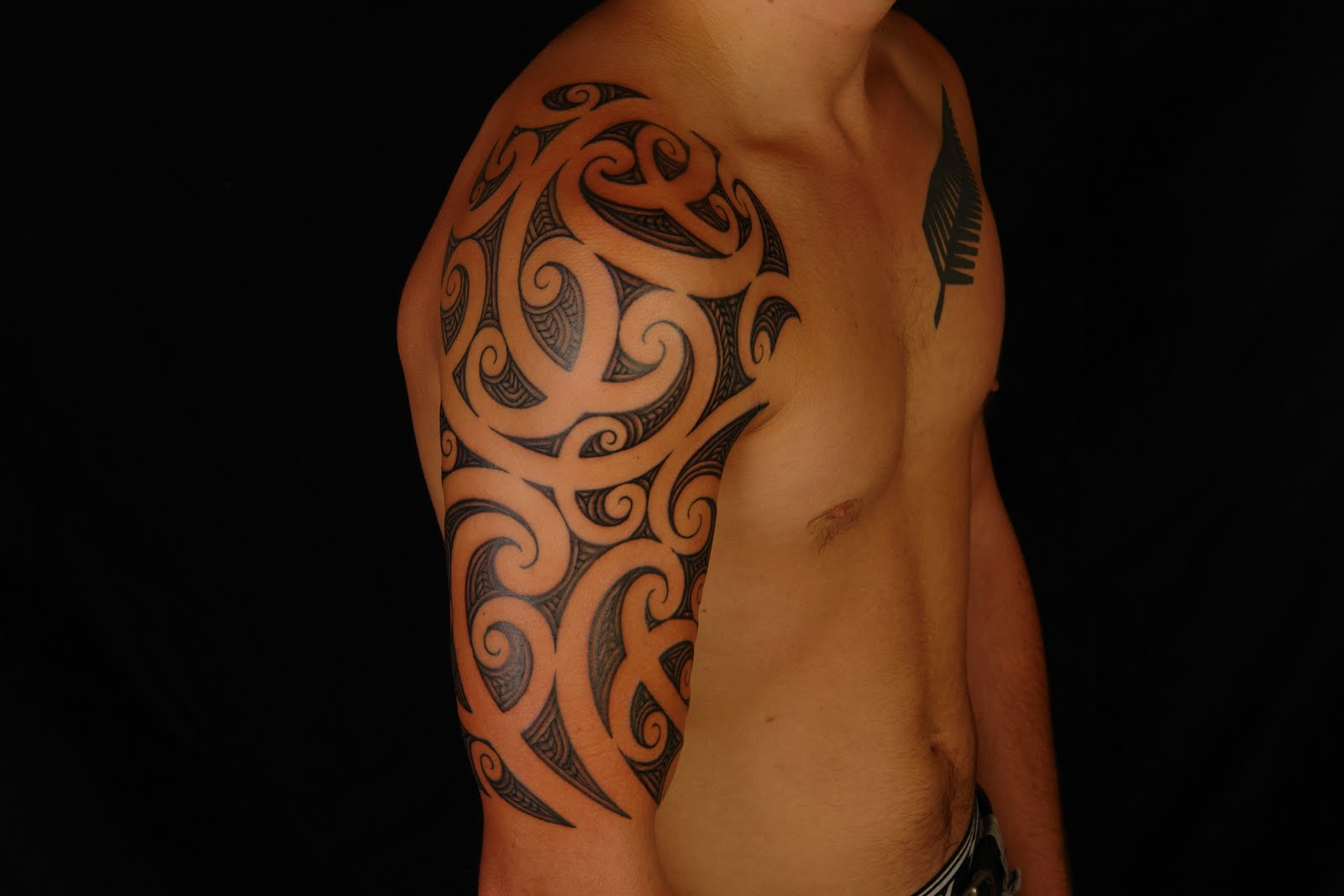 Tattoo Half Sleeve: SHANE TATTOOS: Maori Half Sleeve Tattoo On Rhys