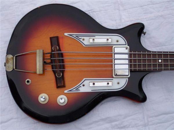 Craigslist Vintage Guitar Hunt: Airline Pocket Bass in Baton Rouge