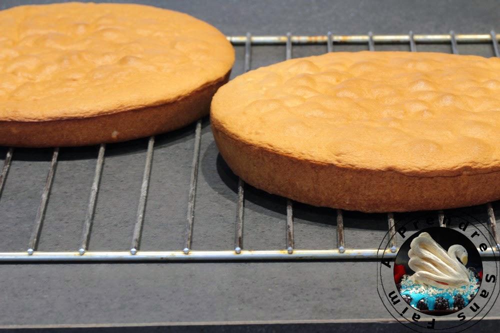 Gâteau à la vanille et crème de citron meringué (pas à pas en photos)