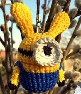 http://www.crochetfox.com/wp-content/uploads/Minion-Bunny1.pdf