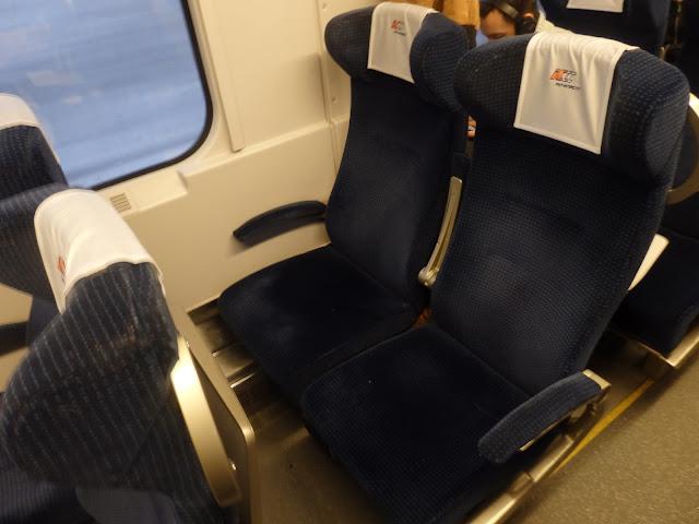 Siedzenia w Intercity, dostał mi się wagon bez przedziałów