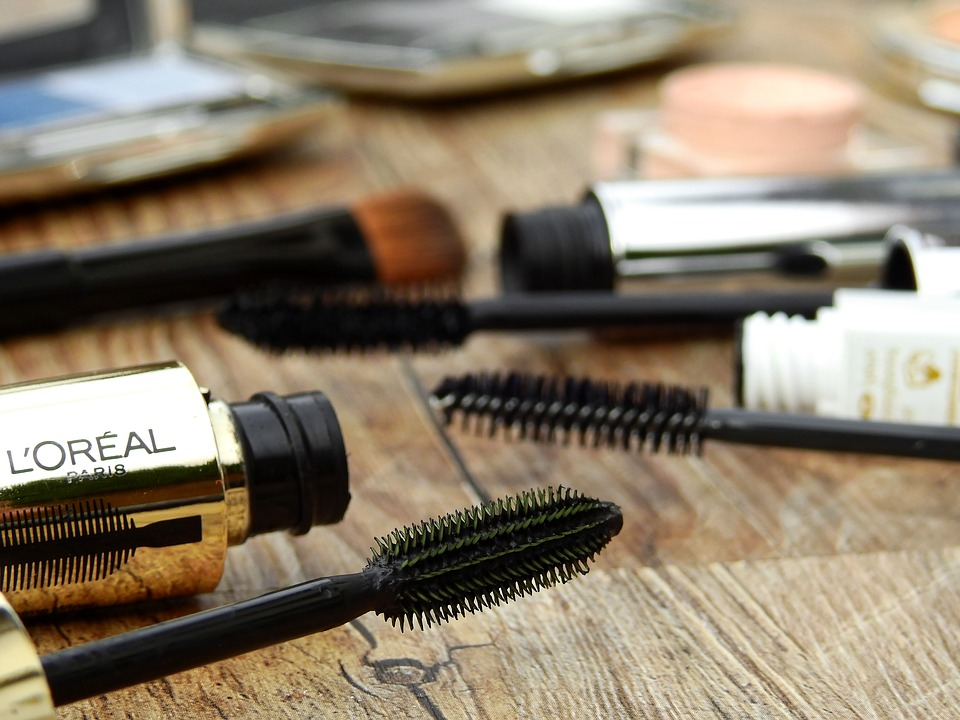 How to Choose the Ideal Mascara Brush mascara brushes Pixabay image