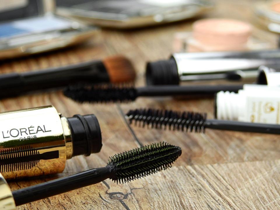 How to Choose the Ideal Mascara Brush mascara brushes Pixabay image