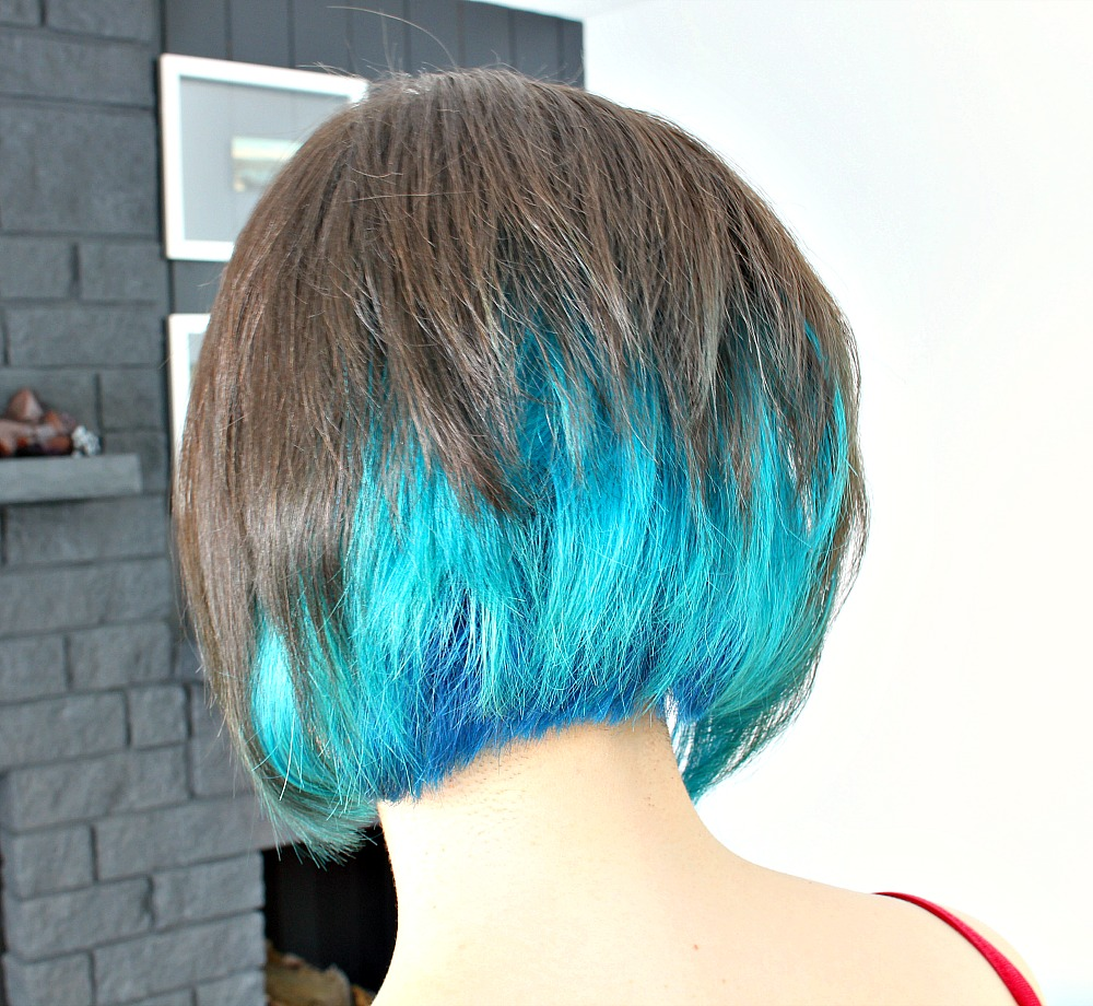Shot Bob with Joico Mermaid and Joico Cobalt Hair Dye