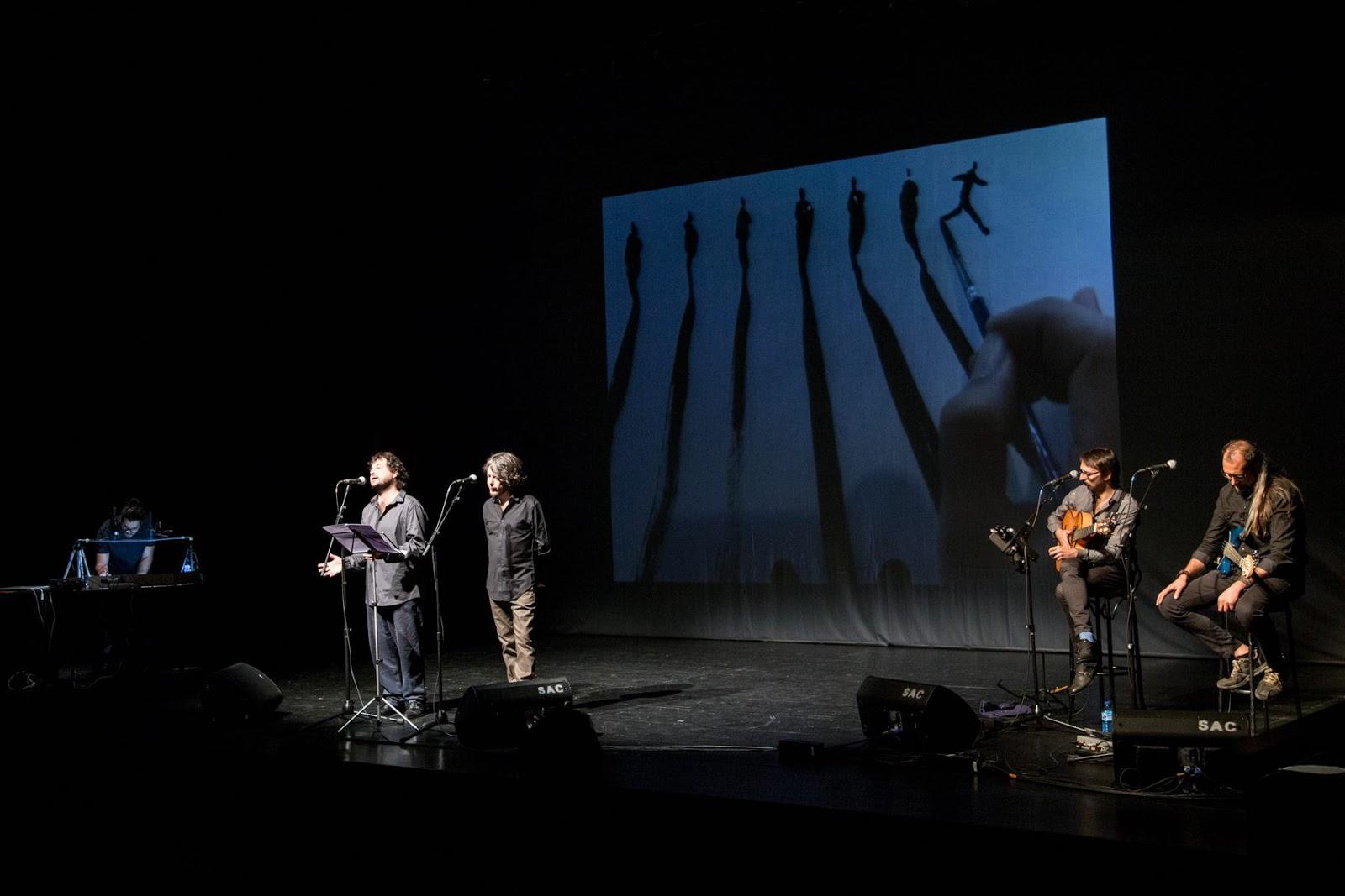 Momento del espectáculo su mal espanta, en el teatro Juan del Encina en Salamanca