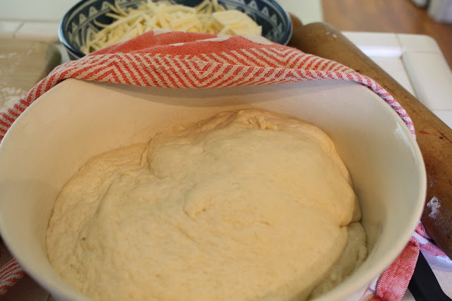 making pizza at home, yeast pizza dough