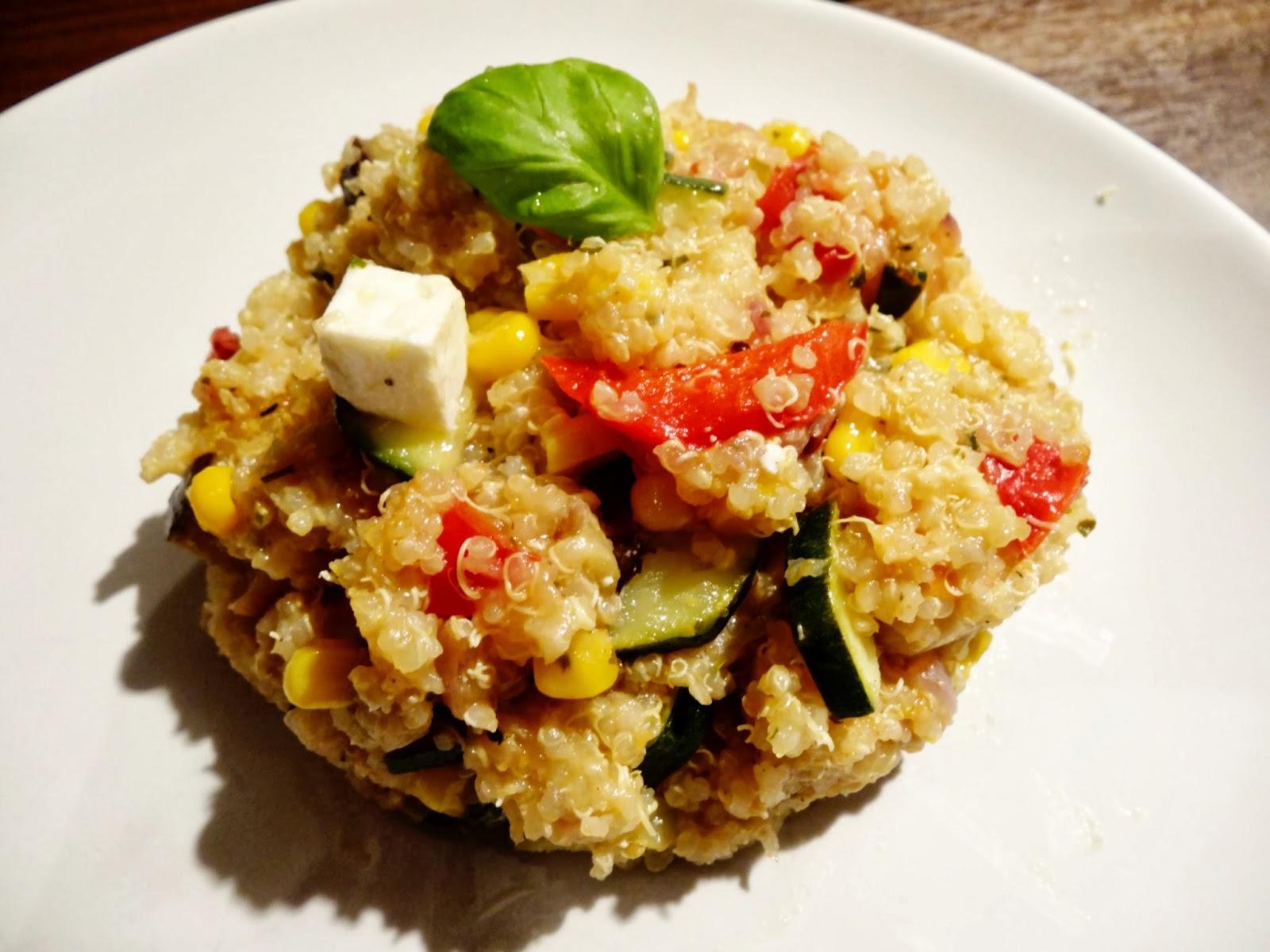 Quinoa-Pfanne mit Gemüse und Zitronensauce