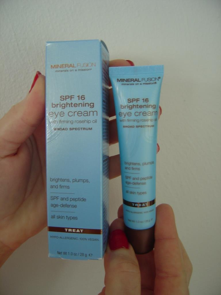 Mineral Fusion  SPF 16 Brightening Eye Cream.jpeg