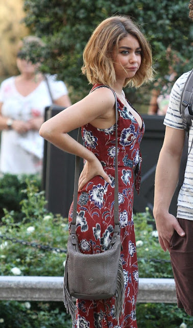 Sarah Hyland – On the Set of 'Modern Family' in Manhattan
