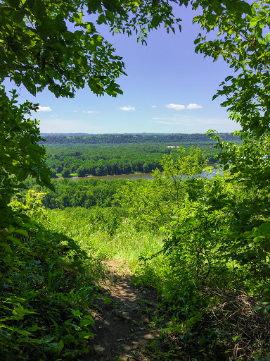 Mound Point Trail at Nelson Dewey State Park in Cassville WI