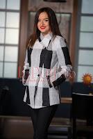 Jacheta eleganta din stofa in carouri