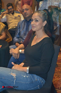 Simran and Vishal at the Launch of The Pride of Tamil Nadu Event Stills  0022.jpg