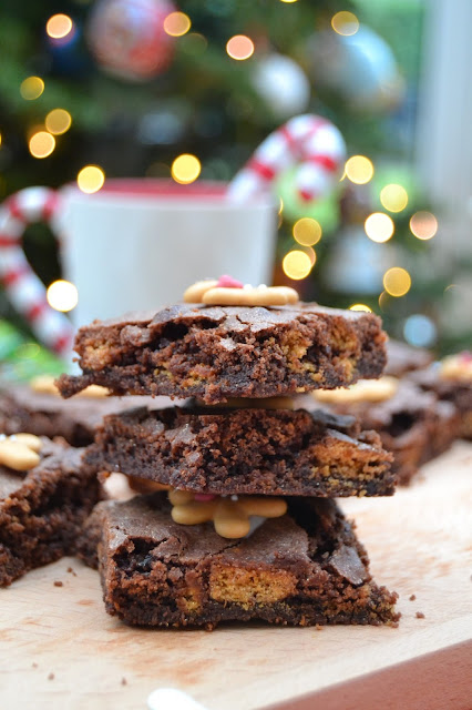 chocolate brownies with added ground ginger,fresh ginger and gingernut (gingersnap) biscuits - and a little bit of cinnamon too.