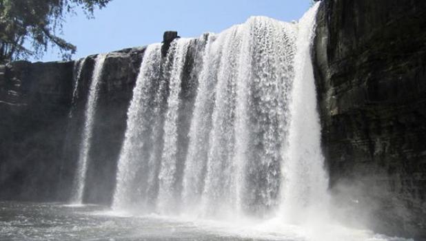 Destinasi Air Terjun Di Kalimantan Barat Yang Indah Banget