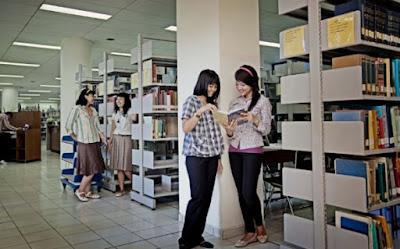 Kampus Bahasa dan Sastra indonesia terbaik