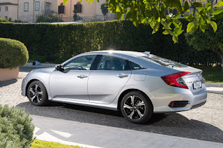Honda Civic Saloon (2019 European Spec) Rear Side 1