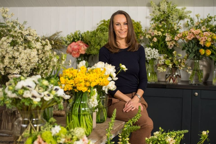 40e6301b4147d Philippa is a self-taught florist based in central London, with a studio in  Fulham and a flower shop in Selfridges. Starting her business nine years  ago, ...