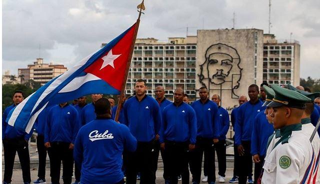 Otra vez un equipo nacional, oriental, de Granma, o como quiera que lo llameis, sale en busca de banderas perdidas, de orgullos nacionales envejecidos y de cuños para papeles que hablan de ranking mundiales