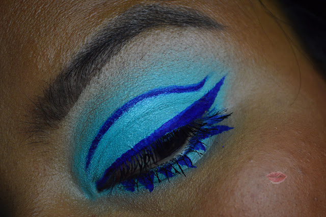 twiggy Inspired Graphic Eyeliner Makeup Tutorial, mod eye makeup