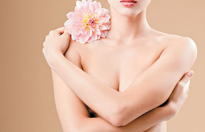 Comment faire un soin beauté du buste et de la poitrine à la maison
