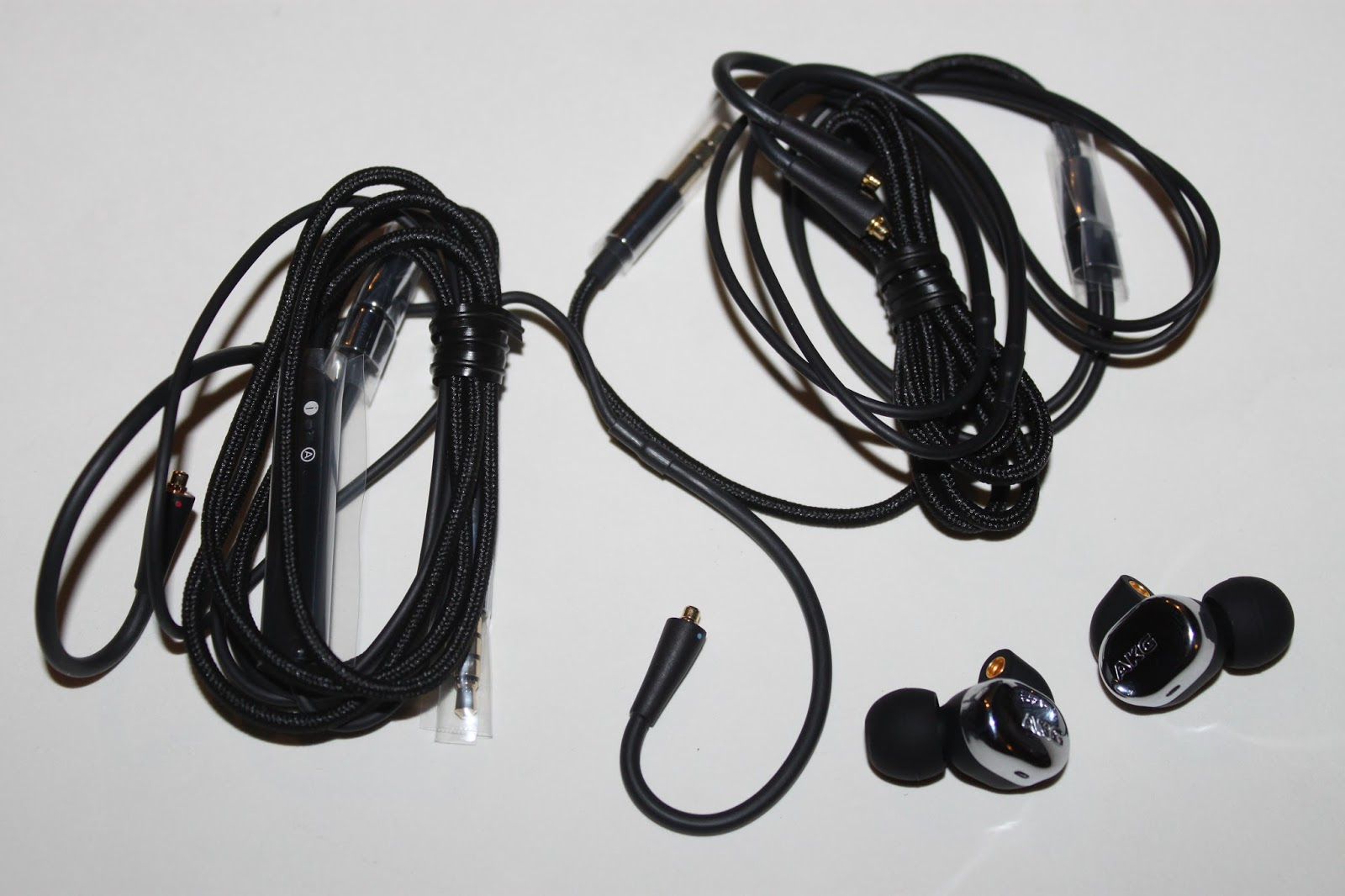 Stereowise Plus: AKG N40 2-way Hybrid In Ear Monitor Review